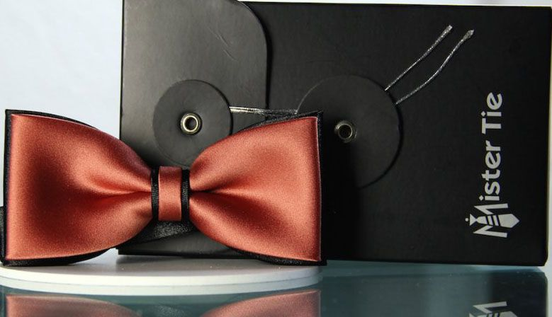 Bow tie red coral